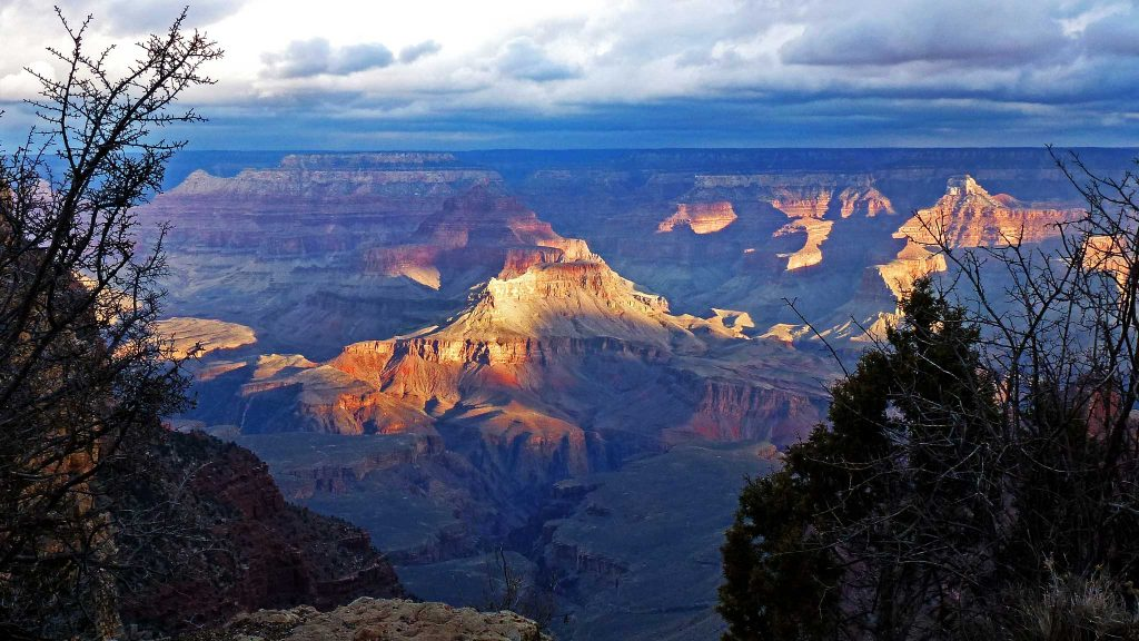 The Grand Canyon is the most famous attraction in The Grand Circle.