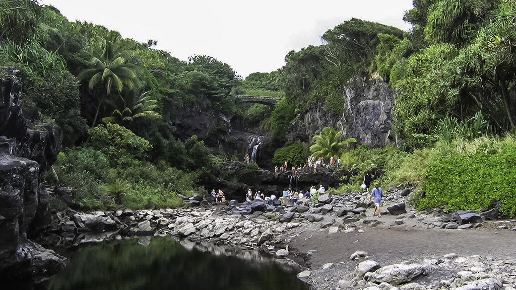 Things to do along the Hana Highway.