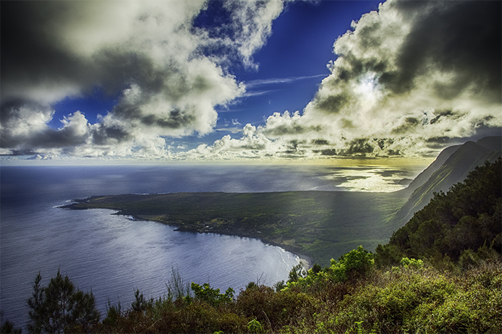 Kaluapapa Lookout, a place to see on Molokai vacations and travel.
