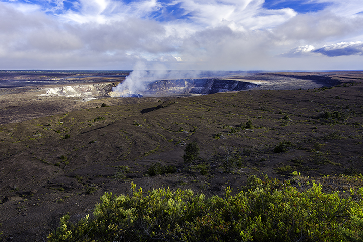 Visit Hawaii Volcanoes National Park on Hawaii mutli island vacations. packages.