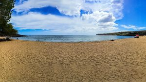 A beautiful beach on Lanai, one of the subjects covered in our Hawaii Travel Guide
