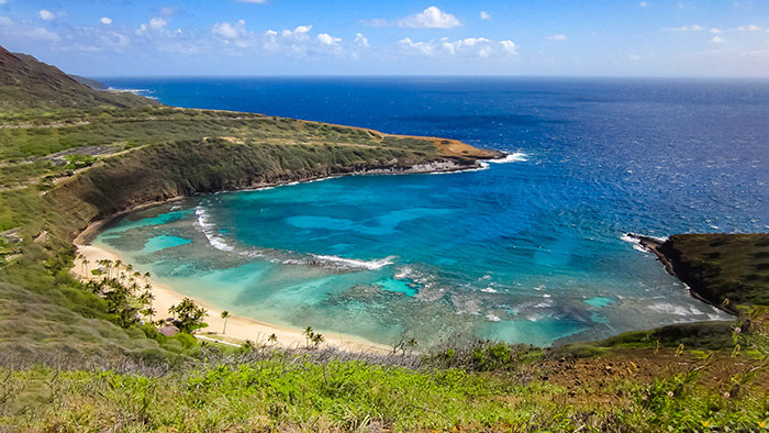 Hanuama Bay, one of the places to see while visitinh Honolulu.