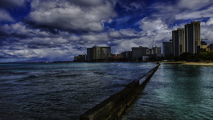 A picture of the beach during hurricane season in Hawaii.